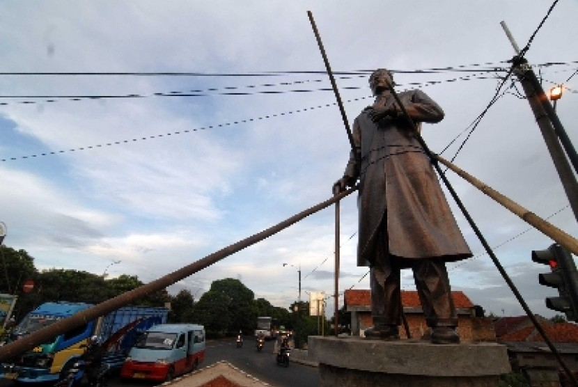 Patung Jenderal Besar Soedirman.