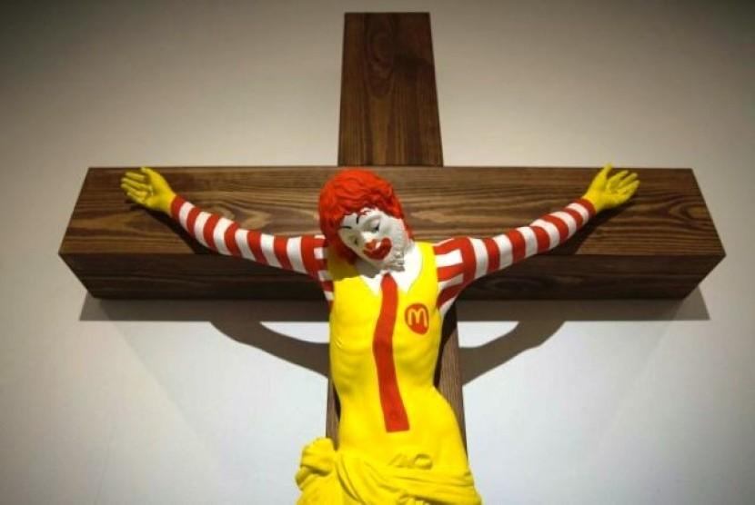 Patung McJesus yang menuai kontroversi di Israel.