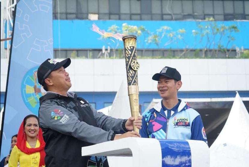 Pawai obor Asian Para Games 2018 di Jakarta, Ahad (30/9).