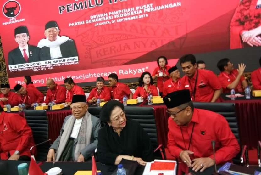 PDI Perjuangan menggelar Rapat Koordinasi Nasional Pemenangan Pemilu 2019 di Kantor Pusat PDIP, Menteng, Jakarta Pusat,  Sabtu (1/9). Rakornas kali ini turut dihadiri oleh calon wakil presiden KH Ma'ruf Amin.