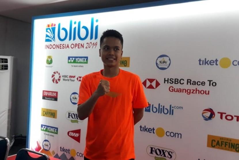 Pebulutangkis tunggal putra Indonesia, Anthony Sinisuka Ginting, usai laga di Blibli Indonesia Open 2019, di Istora Senayan, Jakarta, Selasa (16/7).