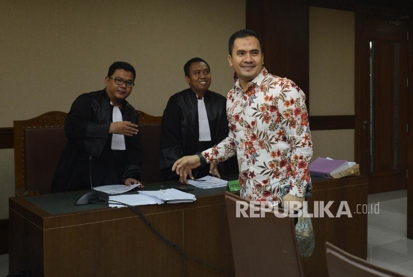 Pedangdut Saipul Jamil saat disidang di pengadilan. (foto ilustrasi)