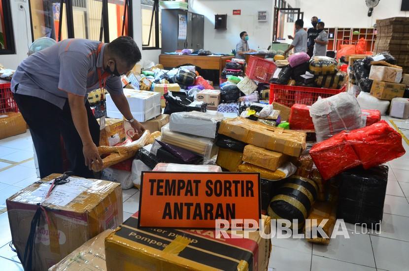 Pos Indonesia Luncurkan Layanan Bisnis Kurir Luar Negeri ...
