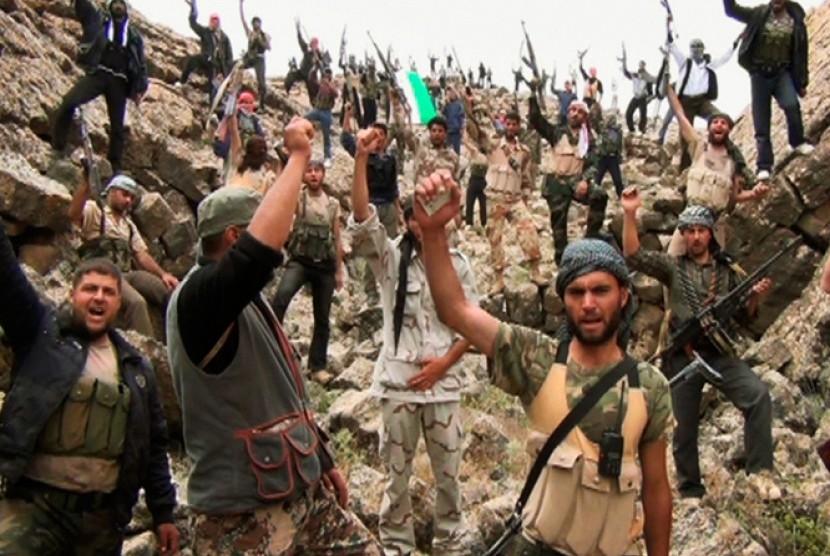Pejuang Hizbullah yang beroperasi di Suriah selatan.