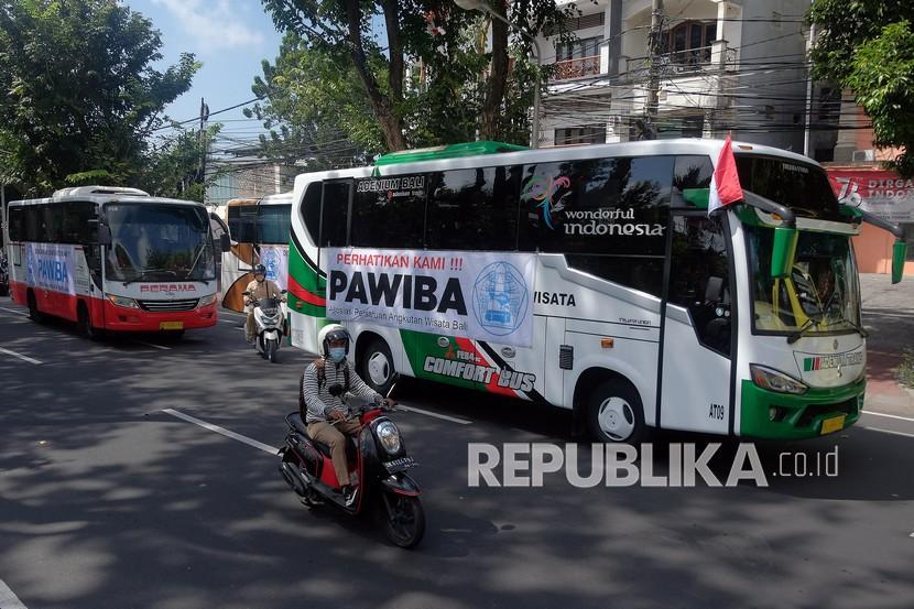 Banyuwangi Luncurkan Angkutan Pariwisata Gratis (ilustrasi).