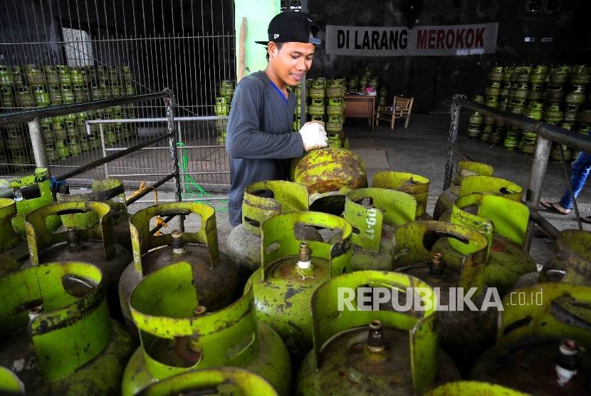 Tabung gas elpiji tiga kilogram (gas melon)