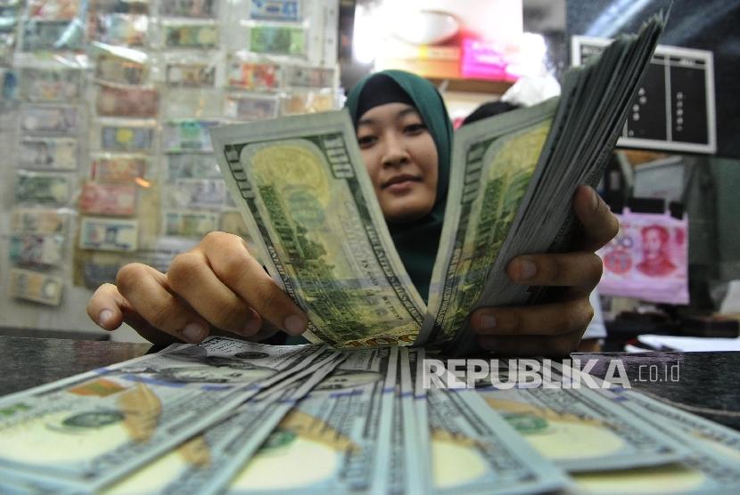 Money exchange service.