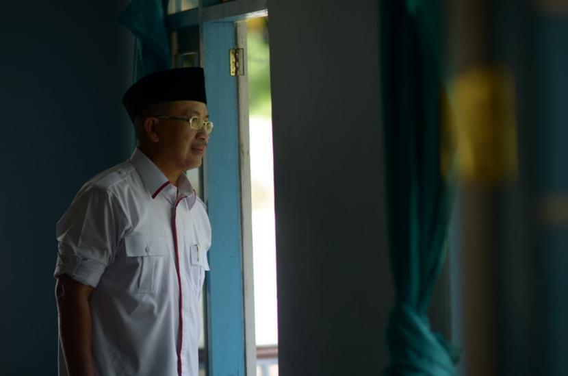 Pemkab Cianjur, Jawa Barat, mengizinkan pembukaan kembali toko sandang di pasar dan pusat perbelanjaan yang selama PPKM Darurat diminta tutup, setelah Hari Idul Adha. Sebab, tingkat kerawanan penularan di wilayah Cianjur sudah menurun tajam setelah diberlakukan pembatasan pada 3-20 Juli. (Foto: Bupati Cianjur Herman Suherman)