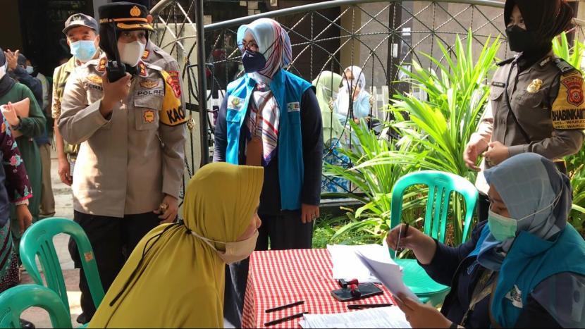 Pelaksanaaan akselerasi vaksinasi Covid-19 bagi kalangan lanjut usia (lansia) di Kota Sukabumi tetap mempromosikan protokol kesehatan (prokes). Upaya tersebut dilakukan dalam rangka pencegahan penyebaran Covid-19 dan tercapainya target vaksinasi.