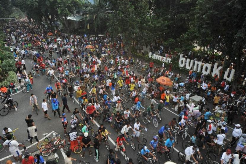 Pelaksanaan CFD di Suarabaya sebelum pandemi, Setelah meniadakan aktivitas tersebut selama beberapa waktu, kini Pemkot Surabaya berencana menggelar kembali CFD pada 7 November 2021 (ilustrasi).