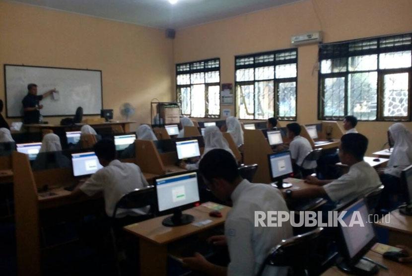 128 sekolah di sumsel belum bisa laksanakan unbk republika online pelaksanaan unbk secara menumpang di sman 2 kota tasikmalaya senin 25 stopboris Gallery