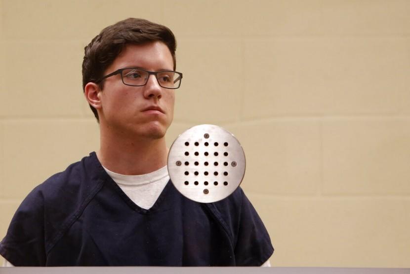 Pelaku penembakan Sinagoge Chabad of Poway, Kalifornia, John T. Earnest (19 tahun) di pengadilan San Diego, 30 April 2019.