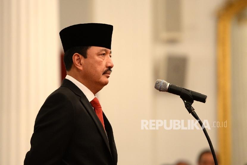 Pelantikan Kepala BIN. Komisaris Jenderal Budi Gunawan bersiap mengikuti pelantikan Kepala Badan Intelejen Negra (BIN) oleh Presiden Joko Widodo di Istana Negara, Jakarta, Jumat (9/9).