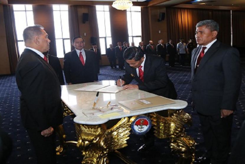 Pelantikan Mayjen TNI Yoedhi Swastanto sebagai Rektor Unhan.