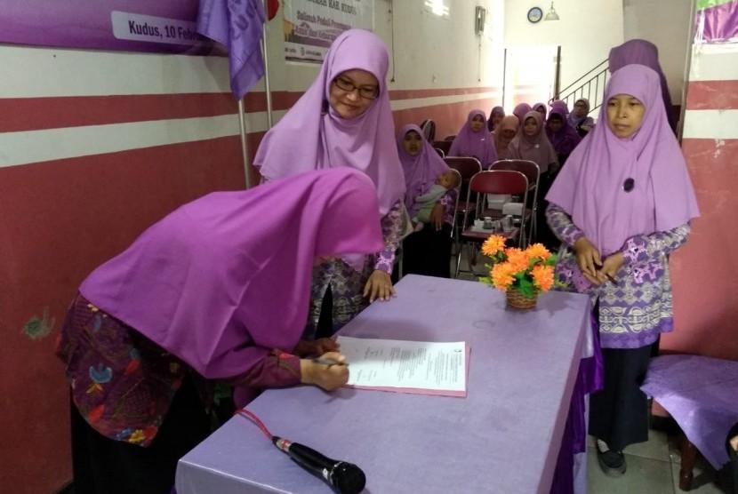 Pelantikan pengurus cabang Kaliwungu, Salimah Kudus.