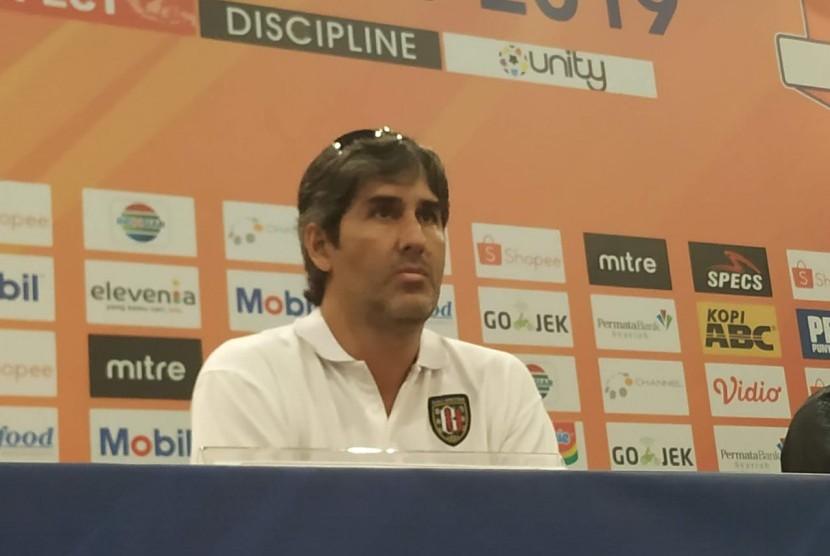 Pelatih Bali United, Stefano Cugurra alias Teco.