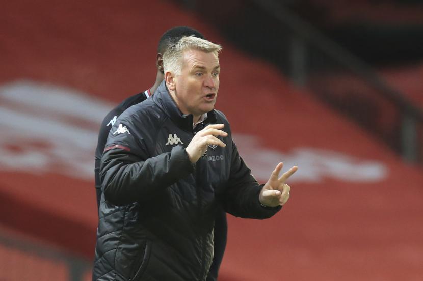 Pelatih kepala Aston Villa Dean Smith