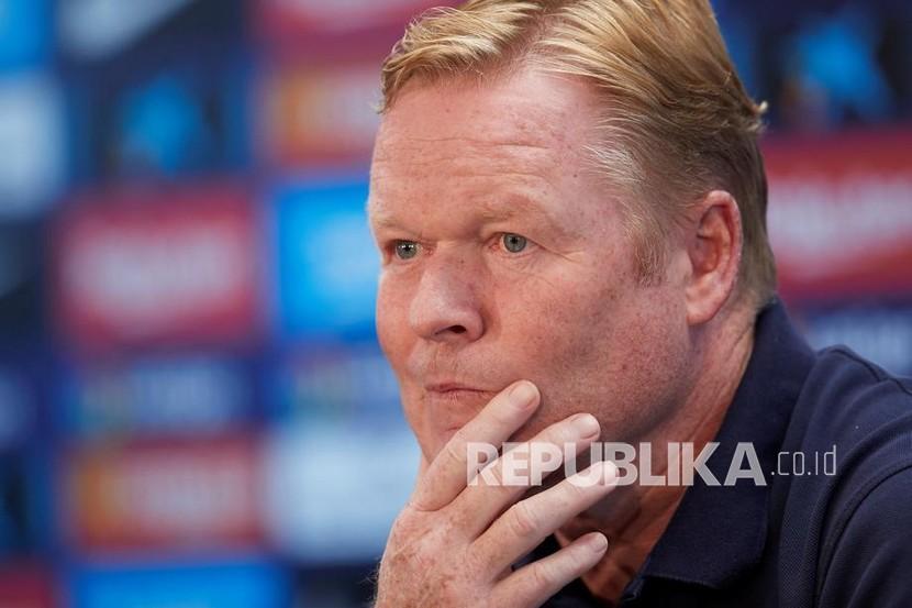 Pelatih kepala FC Barcelona, Ronald Koeman, menghadiri konferensi pers yang diadakan di Joan Gamper Sport City di Sant Joan Despi, Barcelona, ????Spanyol, 16 Oktober 2021.