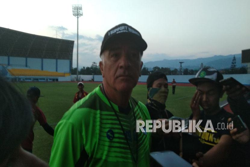 Pelatih Persib Bandung, Mario Gomez di SPOrT Jabar, Kota Bandung, Senin (7/5).