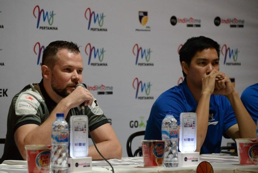 Coach Gibi Berang ke Pemain Prawira Usai Dipecundangi SM