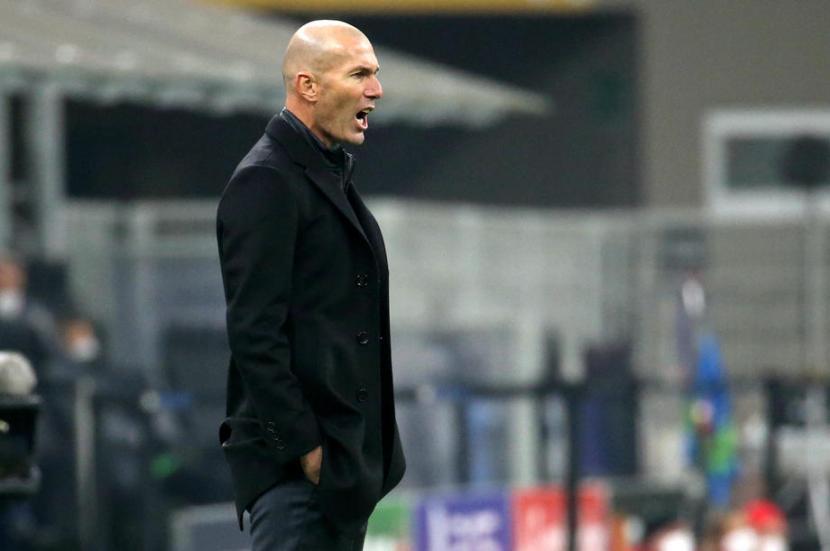 Zidane Terancam Dipecat, Legenda Real Madrid Bersuara