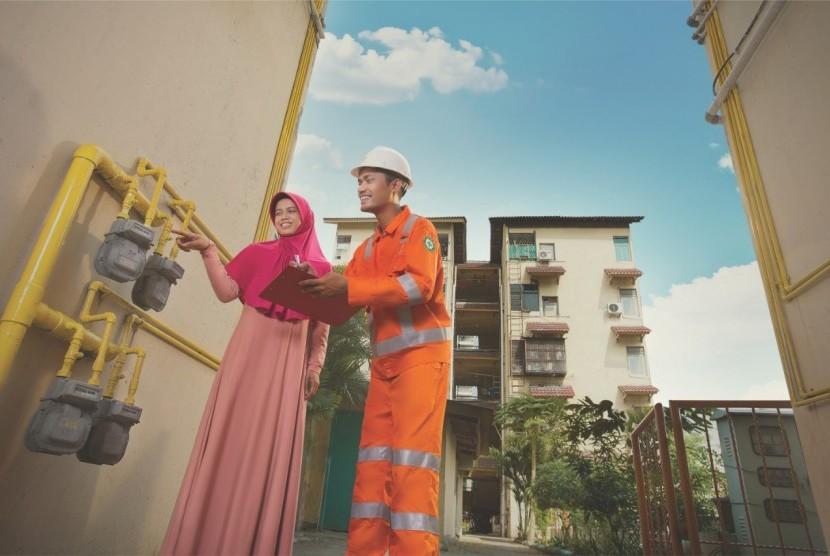Pelayanan PGN (ilustrasi). PT Perusahaan Gas Negara Tbk (PGN) menyatakan bahwa perseroan akan menaati semua keputusan hukum yang berlaku terkait perkara Pajak Pertambahan Nilai (PPN) penjualan gas bumi ke konsumen periode penjualan tahun 2012-2013.
