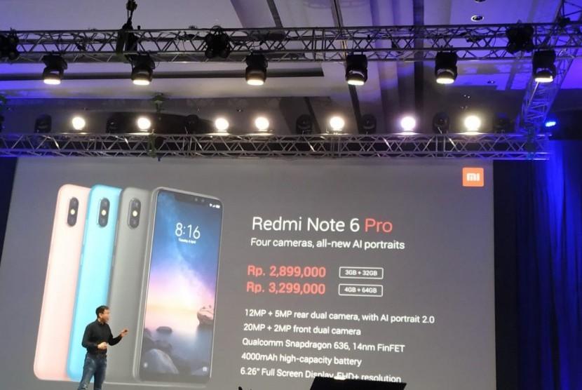 Peluncuram Redmi Note 6 Pro oleh Steven Shi, Head of Xiaomi South Oacific Regional Xiaomi Indonesia Country Manager, di Ciputra World, Jakarta, Selasa (6/11).