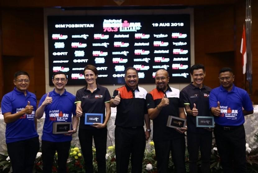 Peluncuran ajang triathlon Ironman 70.3 Bintan 2018