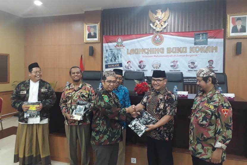 Peluncuran buku berjudul Kokam, Kesatuan Muhammadiyah di Zaman Bergerak di Gedung DPD DIY, Sabtu (27/10).