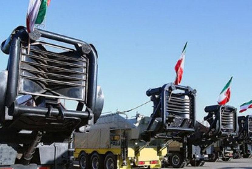 peluncuran rudal jarak jauh Iran.