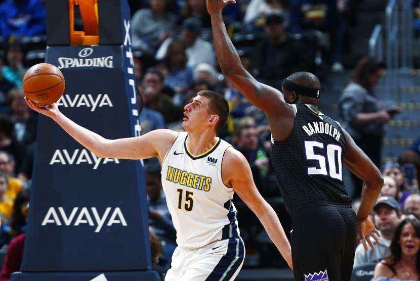 Pemain center Denver Nuggets, Nikola Jokic
