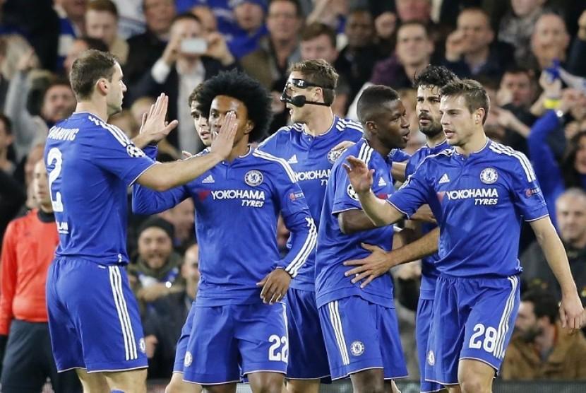 Pemain Chelsea merayakan gol ke gawang Olympiakos