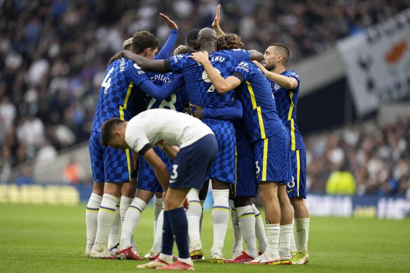 Pemain Chelsea merayakan setelah N