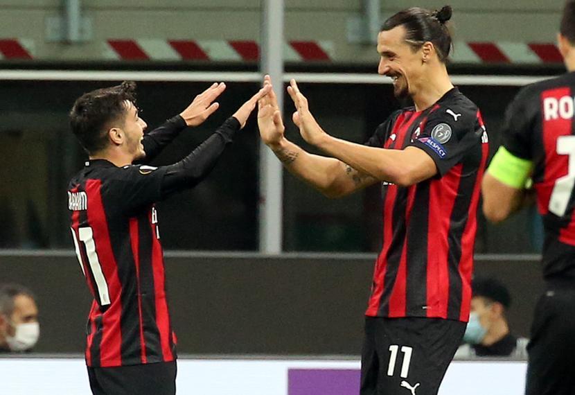 Pemain AC Milan Brahim Diaz (kiri) saat melakukan selebrasi bersama rekannya, Zlatan Ibrahimovic.