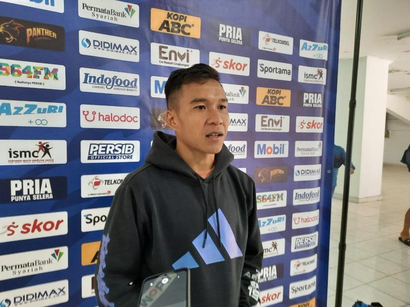 Pemain Persib Bandung, Erwin Ramdani di Stadion Gelora Bandung Lautan Api, Kota Bandung, Selasa (15/9).