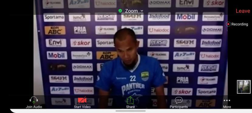 Pemain Persib Bandung, Supardi Nasir, dalam tangkapan layar wawancara daring.