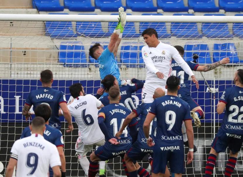 Varane Selamatkan Real Madrid