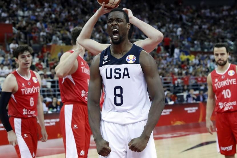 Pemain timnas basket Amerika Serikat Harrison Barnes meluapkan kegembiraan usai menaklukkan Turki pada Grup E Piala Dunia FIBA 2019 di China, Selasa (3/9).