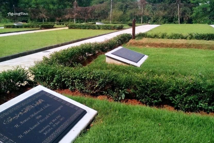 Pemakaman Al Azhar memorial garden.