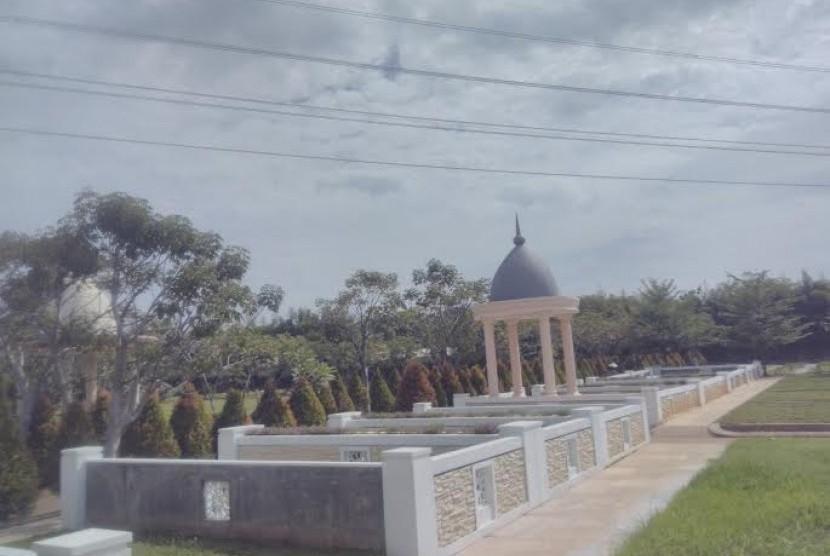 Pemakaman Al Azhar Memorial Garden di Karawang.