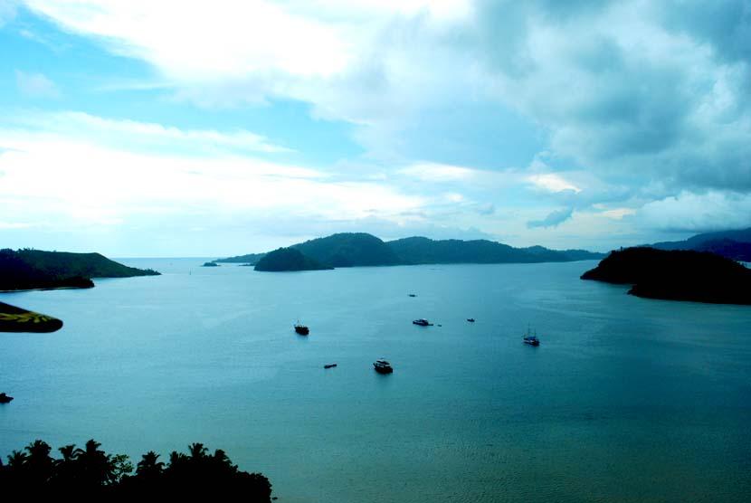 Pemandangan kawasan wisata Mandeh di Pesisir Selatan, Sumatera Barat