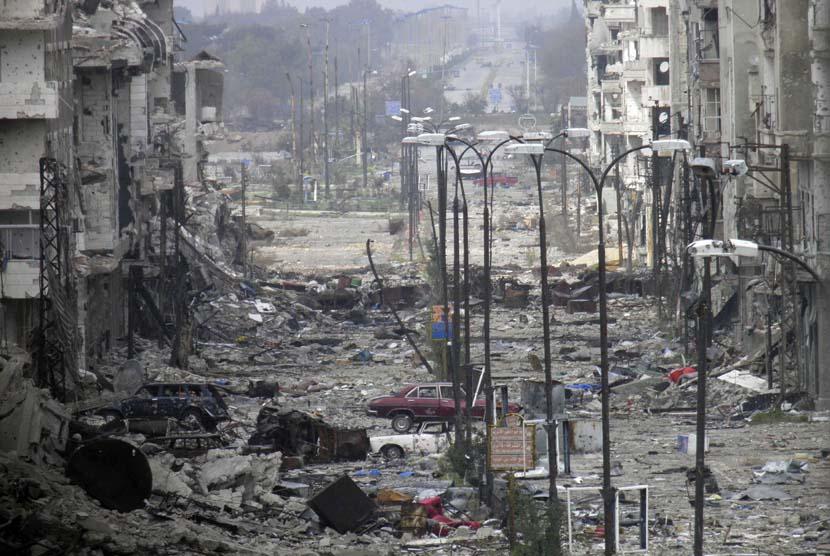 Pemandangan kota Suriah yang hancur akibat perang (Ilustrasi)