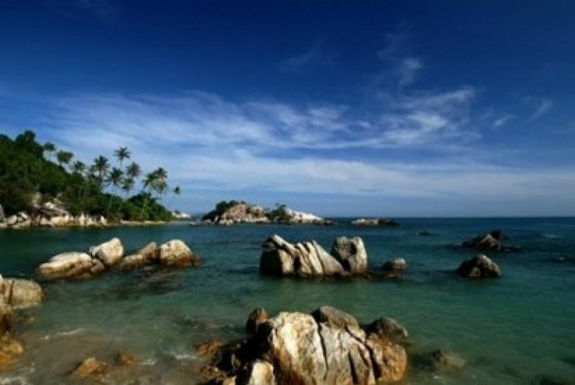 Pemandangan pantai di Pulau Belitung