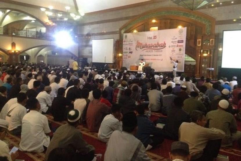 Muhasabah Akhir Tahun Republika di Masjid Pusdai, Kota Bandung, Ahad (31/12).