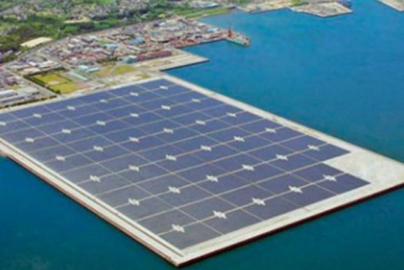 pembangkit listrik terapung di Jepang.