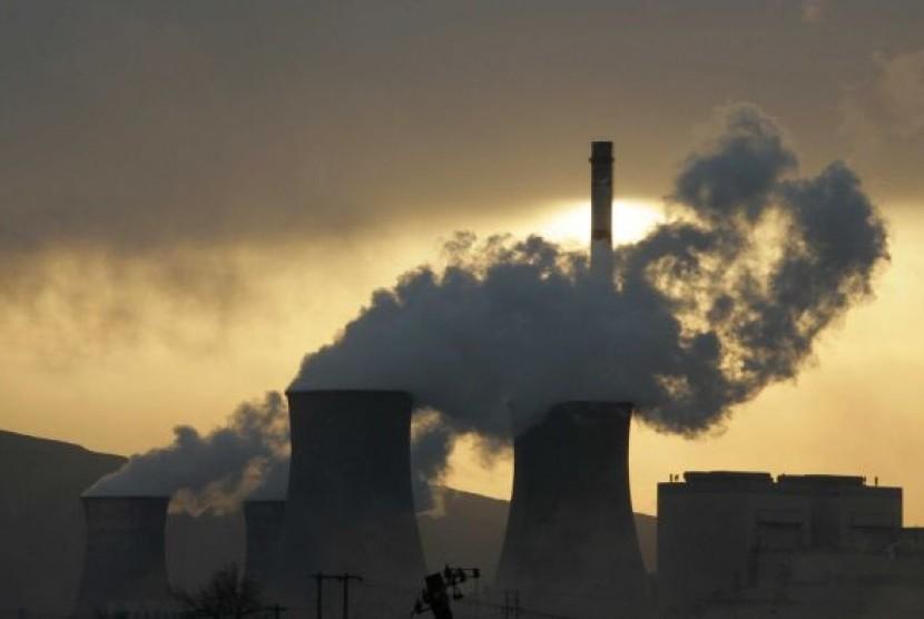 Pembangkit tenaga berbahan batu bara di Wuhai, Cina.