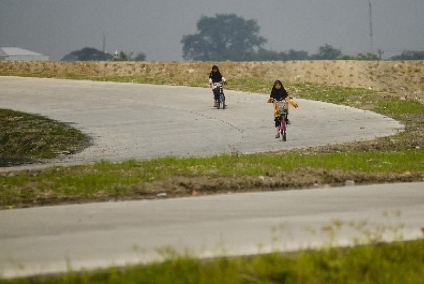 Pembangunan jalan tol (ilustrasi).