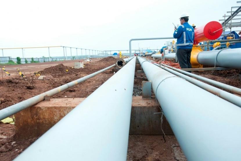 Pembangunan jaringan pipa gas bumi milik PT Perusahaan Gas Negara Tbk (PGN).