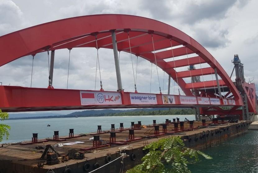Pembangunan Jembatan Holtekamp di Jayapura.