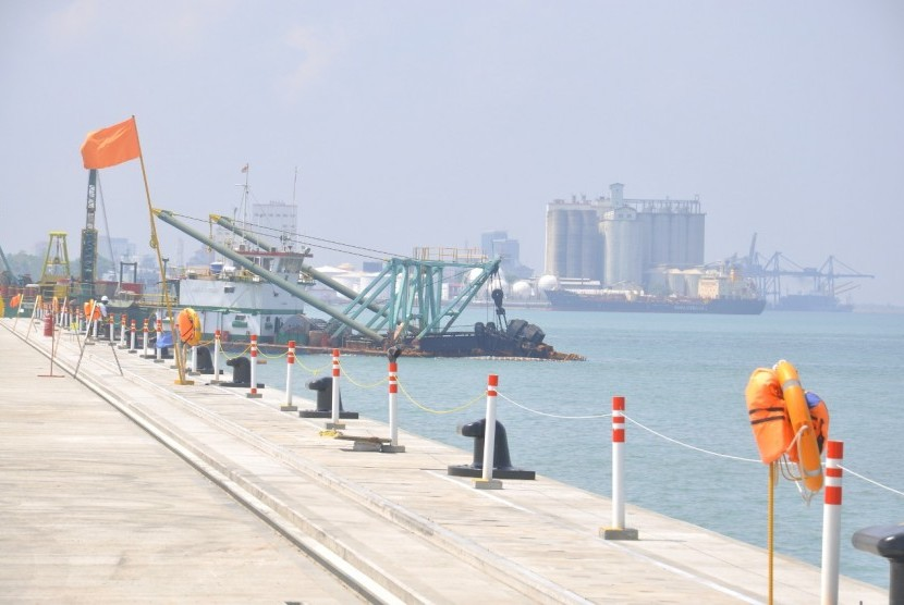 Pembangunan Makassar New Port tahap pertama (1-A) saat ini sudah mencapai 99 persen penyelesaiannya. Diperkirakan akhir Maret 2019, Makassar New Port tahap pertama akan selesai.